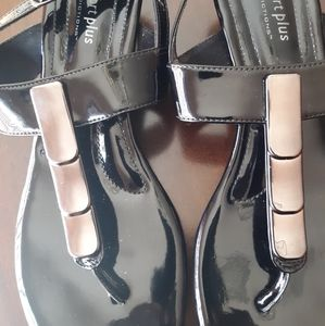 Sale🌻Black Patent Leather Sandals!